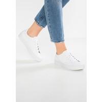 Vagabond ZOE Sneakersy niskie white VA111E029