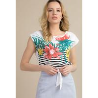Monnari Prążkowana bluzka w kolorowe kwiaty TSHIMP0-18L-TSH5230-KM00D004-R0S