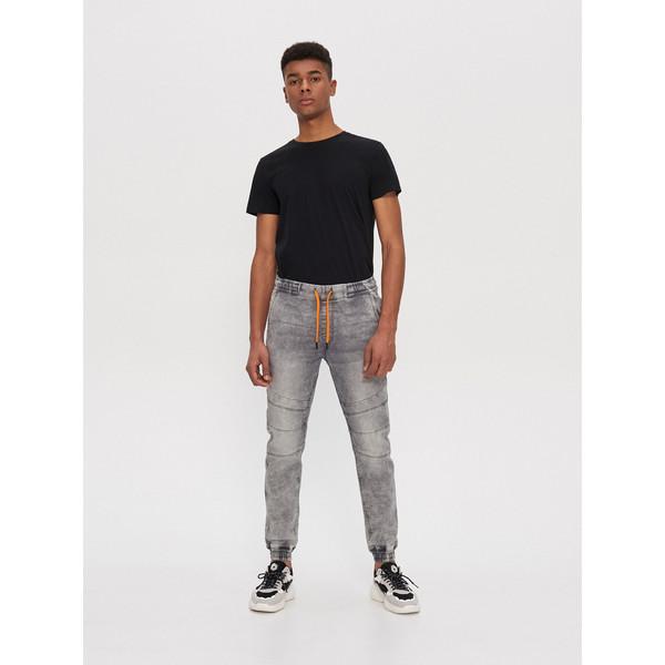 House Denimowe spodnie jogger slim XL189-90J