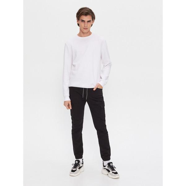 House Spodnie jogger z kieszenią YD122-99X