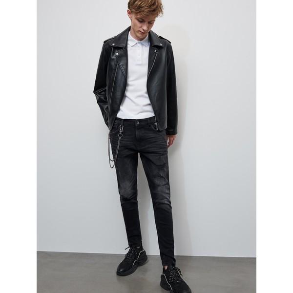 Reserved Spodnie jeansowe z brelokiem XZ635-99J