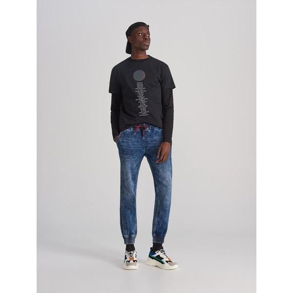 Reserved Jeansowe spodnie jogger XJ158-95J