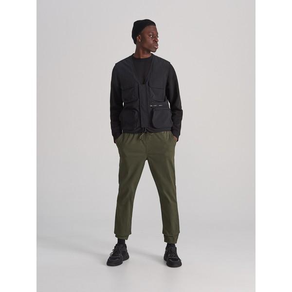 Reserved Spodnie jogger XL633-79X