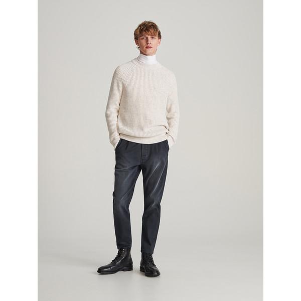 Reserved Spodnie jeansowe carrot XJ164-90J