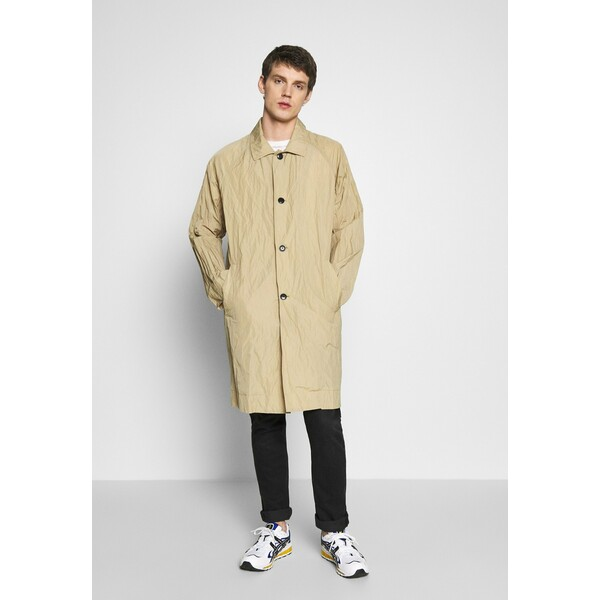 Weekday BARCLAY TECH COAT Klasyczny płaszcz beige WEB22T04B