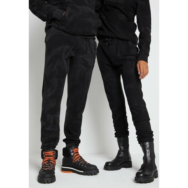 Tommy Hilfiger LEWIS HAMILTON UNISEX GMD SWEATPANTS Spodnie treningowe black TO121000J