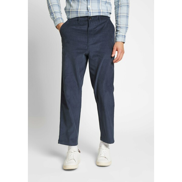 Farah HAWTIN Spodnie materiałowe yale FA522E00P