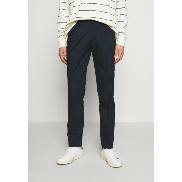 Tommy Hilfiger TAPERED SUMMER FLEX Spodnie materiałowe blue TO122E054