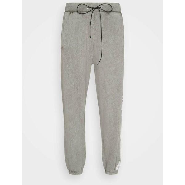 Night Addict CHEST Spodnie treningowe charcoal NIJ22E012